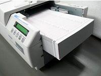 SR-11000 一次可放500張卡片